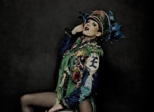 Jessie Evans – gwiazda berlińskiego undergoundu, elektro-punk-popowa  saksofonistka i wokalistka wystąpi w Łykendzie (9.03.12)
