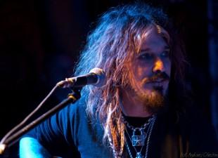 Wokalista i gitarzysta Mötley Crüe pomoże pobić Rekord Guinnessa! (1.05.13)