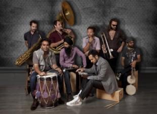 Red  Baraat – hinduska odpowiedź na bałkańskie orkiestry dęte – roztańczony Bollywood na  szalonym bałkańskim weselu! (20.05.12)
