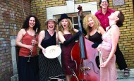 The Sisters of Sheynville – żeński sekstet wokalny z Kanady śpiewa żydowskie piosenki  w Synagodze pod Białym Bocianem (31.08.11)